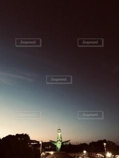 太陽の塔が見える空の写真・画像素材[3347352]