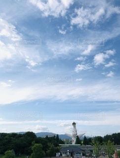 太陽の塔と青空の写真・画像素材[3368154]