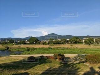 加茂川から比叡山を望むの写真・画像素材[3646341]