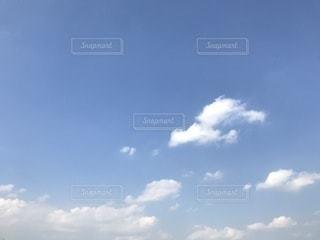 空には雲のグループの写真・画像素材[747407]