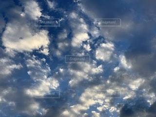 青空の雲の写真・画像素材[3337988]