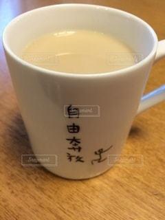 牛乳1杯の写真・画像素材[3370818]