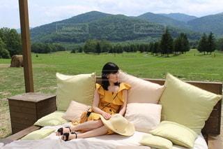 大自然の中でお昼寝ベッドの写真・画像素材[3359354]