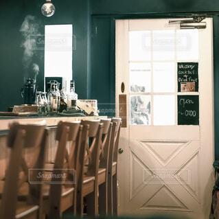 のんびりとしたカフェの写真・画像素材[3650993]