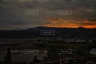 日没時の都市の眺めの写真・画像素材[3648811]