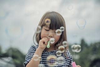 シャボン玉の写真・画像素材[3489919]