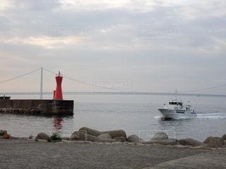 港に戻る船の写真・画像素材[3493741]
