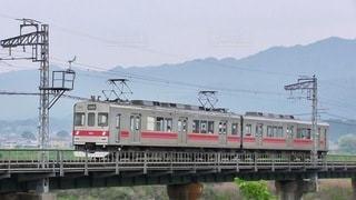 地域を繋ぐ列車の写真・画像素材[3432069]