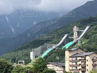 背景に広い山の眺めの写真・画像素材[3451341]