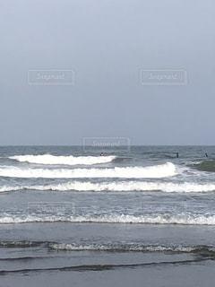 波打ち際の風景の写真・画像素材[3535217]