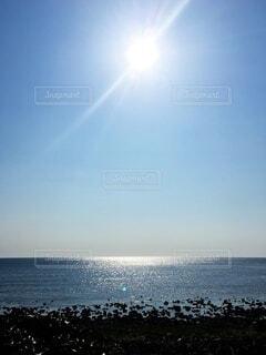 キラキラと輝く海の写真・画像素材[4768837]