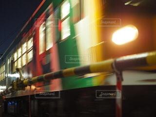 バスのぼやけた写真の写真・画像素材[4021361]
