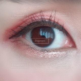 人の目のクローズアップの写真・画像素材[3643279]