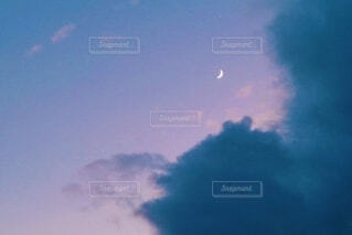 夕闇せまるの写真・画像素材[4309778]