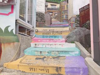 カラフルな階段の写真・画像素材[3412455]