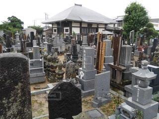 寺とお墓の写真・画像素材[4617485]
