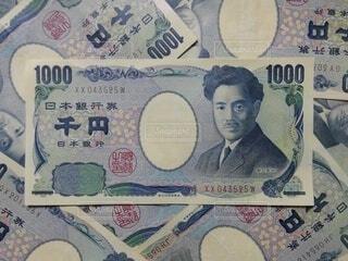 たくさんの千円札①の写真・画像素材[4793511]