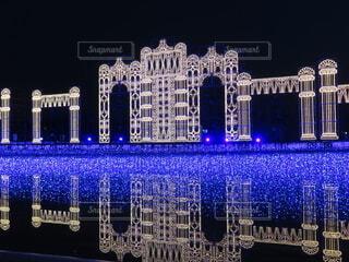 水面に映る宮殿の写真・画像素材[3999788]