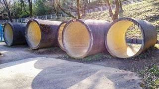 並んだ土管の写真・画像素材[3436060]