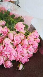 大好きなあなたに薔薇の花束をの写真・画像素材[3951789]