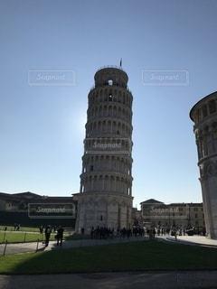 背の高い金属製の塔の写真・画像素材[3494344]