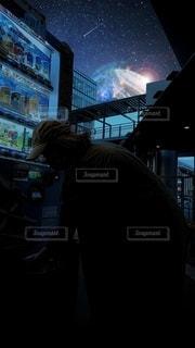 自販機でジュース購入の写真・画像素材[3429133]