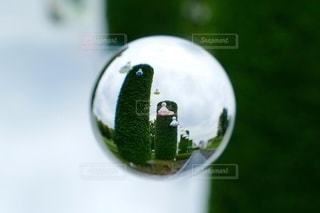 宙玉に収めた景色の写真・画像素材[3467692]