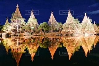 ライトアップの反射の写真・画像素材[3471577]