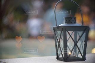 ランタン越しの光の写真・画像素材[3476256]
