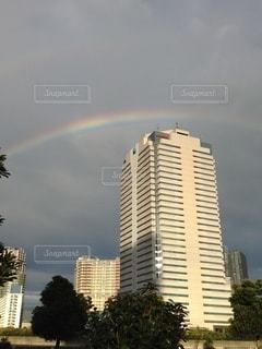 都市の上に虹の写真・画像素材[3440099]