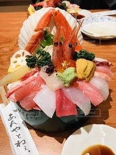 刺身たっぷり海鮮丼の写真・画像素材[3517940]