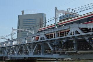 橋を渡る列車の写真・画像素材[3447574]