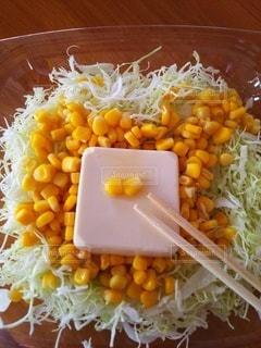 ご飯と野菜の一皿の食べ物の写真・画像素材[3507604]