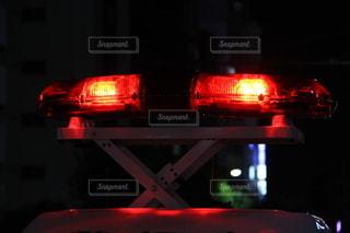 パトカー 新宿 赤色灯の写真・画像素材[3466413]