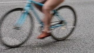 自転車 マナー違反 危険運転の写真・画像素材[3466947]