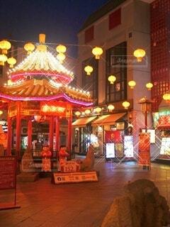 神戸中華街のキラキラしたライトアップの写真・画像素材[3783219]