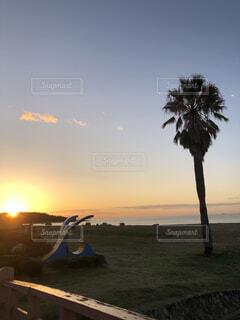 キワラビーチの夜明けの写真・画像素材[3745887]