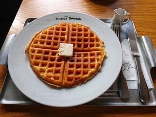 カフェで食べたお気に入りのワッフルの写真・画像素材[3449374]