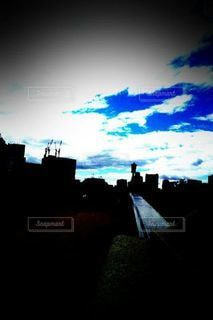 カメラを見上げる空の眺めの写真・画像素材[3448530]