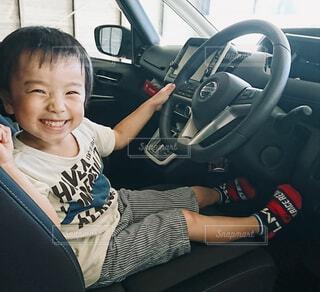 ミニバンの運転席の写真・画像素材[4274591]