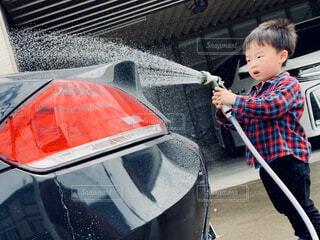洗車のお手伝いの写真・画像素材[4307371]