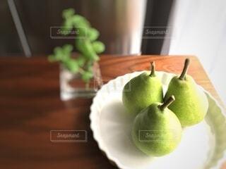 梨とアップルミントの写真・画像素材[3671107]
