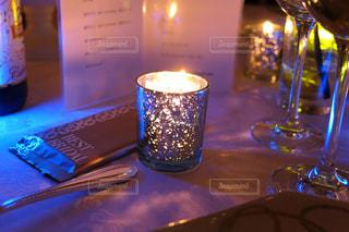 テーブルの上のキャンドルの写真・画像素材[1588770]
