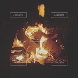 焚き火の写真・画像素材[3464007]