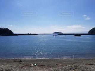海の隣にある水の体の写真・画像素材[3463924]