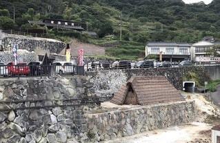 観光地にある湯の華小屋の写真・画像素材[3720884]