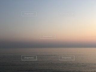 空と海の淡いグラデーションの写真・画像素材[3478910]