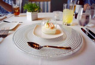 コース料理の前菜に食べた蟹と帆立のムース仕立ての写真・画像素材[4429151]