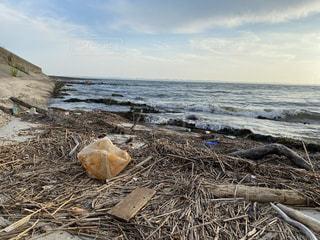 漂着するゴミ問題の写真・画像素材[3517825]