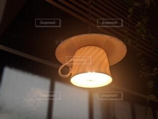 珈琲店の照明の写真・画像素材[3767909]